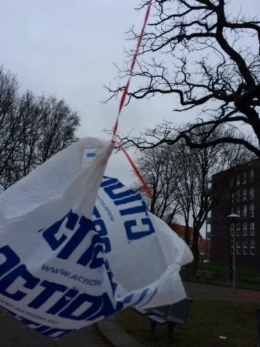 Plastic zakje in de wind