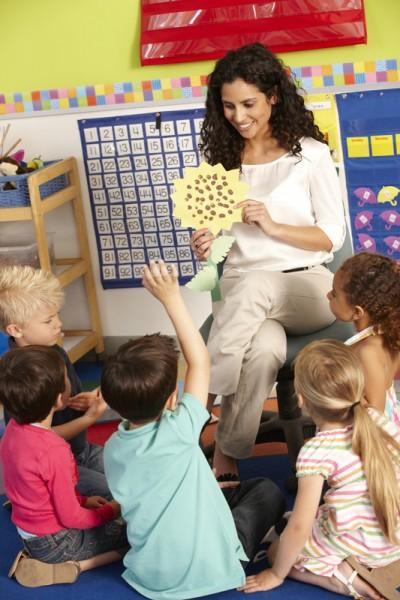 Vrolijke leerkracht