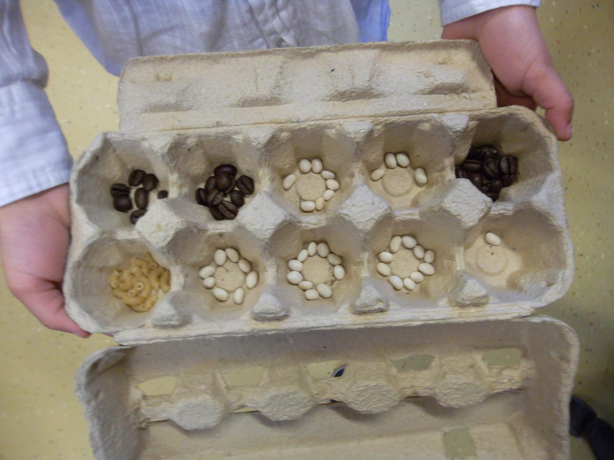 Kralen in een eierdoos