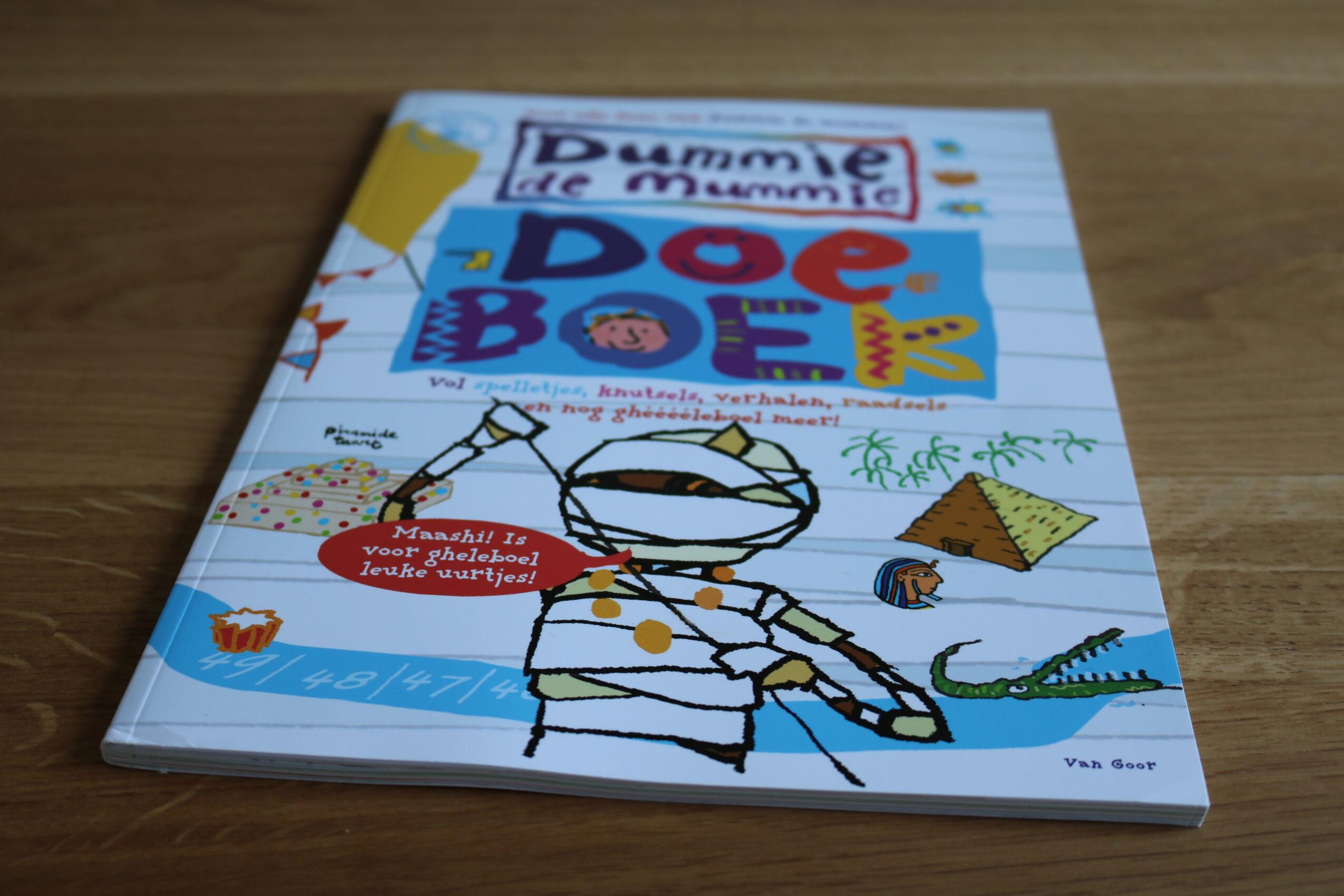 Dummie de Mummie doeboek