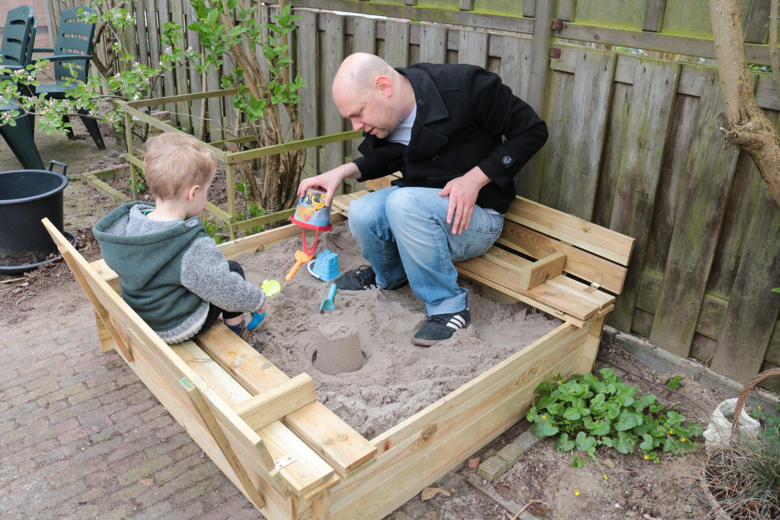 Zandbak in de tuin